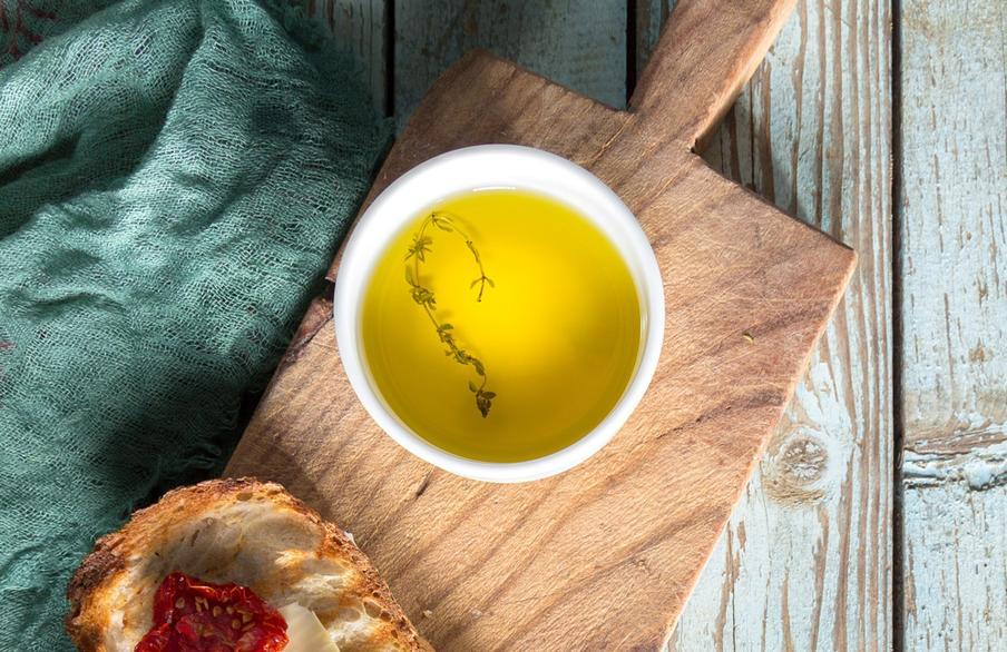 Come degustare l'olio d'oliva in casa